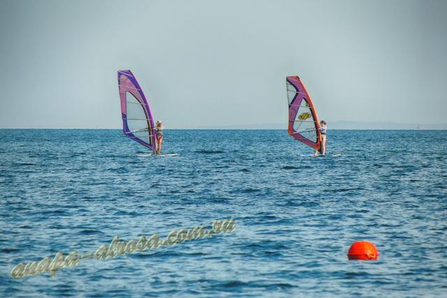 Анапа пляж яхт-клуба первая половина августа виндсерфинг